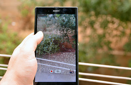 המצלמה הסטנדרטית של סוני עם ממשק פשוט ומוגבל