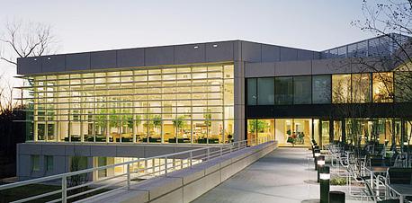 """ביה""""ס למינהל עסקים Fuqua באוניברסיטת דיוק בצפון קרולינה"""