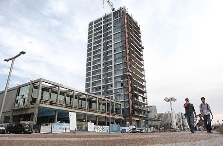 הבניין בהרברט סמואל בתל אביב, שבו רכש תמן פנטהאוז ב־48 מיליון שקל