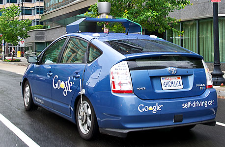 מוסף 5.12.13 בינה מלאכותית מכונית ללא נהג של גוגל, צילום: איי אף פי