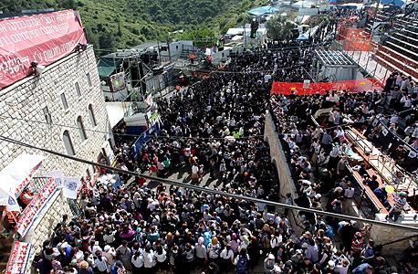 למרות איומי החרדים: לפיד הפקיע את אתר קבר רבי שמעון בר יוחאי