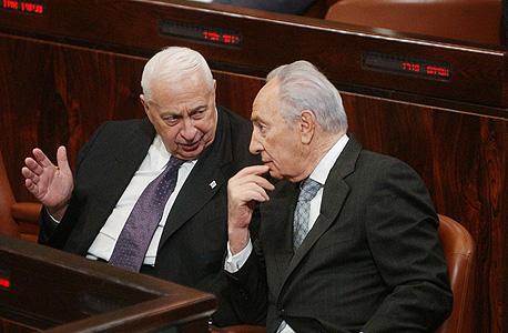 שמעון פרס אריאל שרון, צילום: אלכס קולומויסקי