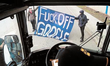 מפגינים נגד גוגל ב סן פרנסיסקו
