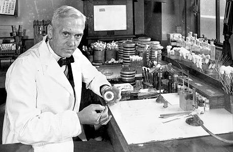 """מגלה הפניצילין, אלכסנדר פלמינג. סולומון: """"החיידק פיתח עמידות בתוך פחות מארבע שנים"""""""