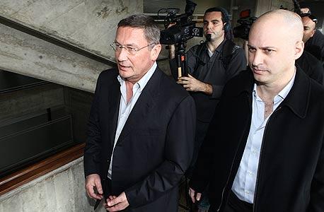 נוחי דנקנר בבית המשפט, צילום: אוראל כהן
