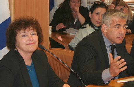 קרנית פלוג נגידת בנק ישראל יאיר לפיד שר האוצר, צילום: דוברות משרד האוצר