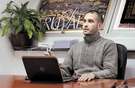 מוחמד אל־עג'אג' בן 24, גר בכסייפה. סטודנט להנדסת מערכות מידע ומפתח אפליקציות בבית התוכנה הבדואי topXite