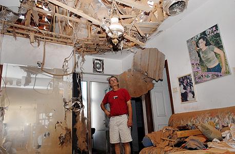 בית שנפגע מפגיעת קאסם (ארכיון), צילום: מאיר אזולאי