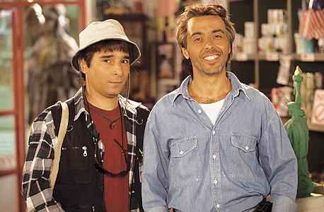 אלי ומריאנו, מתוך קמפיין הדואר. החוזה יבוטל?