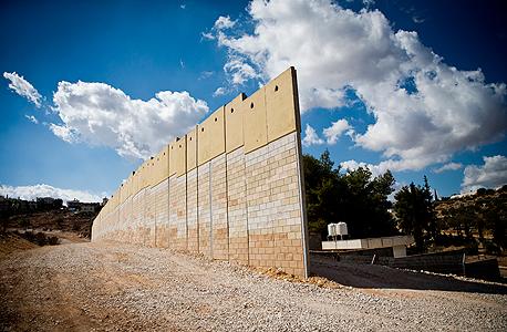 הרחבת גדר הפרדה ליד היישוב שערי תקווה