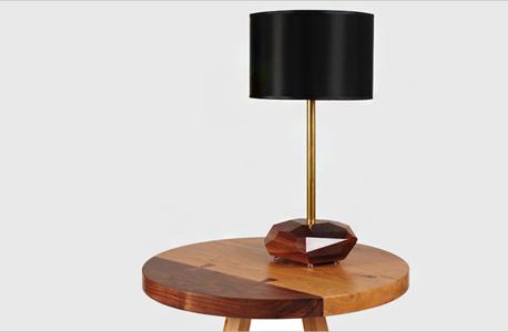 מנורה משרדית