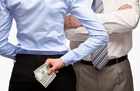 """""""אני מעדיף שתבגדי בי ולא תשקרי על כסף"""""""
