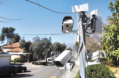 מצלמות האבטחה בשכונה