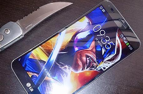 יוסיף גמישות חסרת תקדים למכשירים. טלפון גמיש בן זמננו, ה-G-Flex של LG