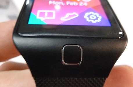 G5 שעון חכם סמסונג גיר 2 Fit, צילום: עומר כביר
