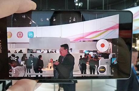 המצלמה עצמה אמנם מסוגלת לצלם וידאו באיכות גבוהה במיוחד – אבל המסך לא תומך בהצגתה., צילום: עומר כביר