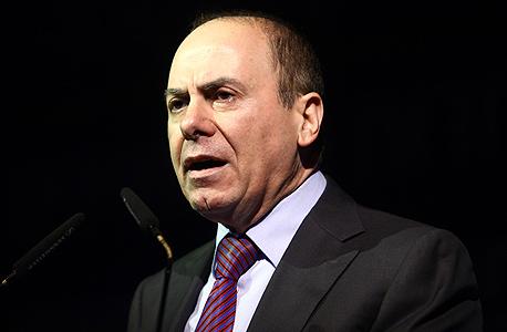 שר האנרגיה סילבן שלום. 4 שקלים מכל ליטר בנזין הולכים לקופת המדינה