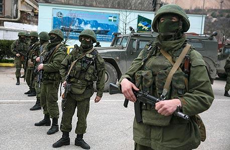 כוחות מטעם רוסיה בקרים, 2014, צילום: רויטרס