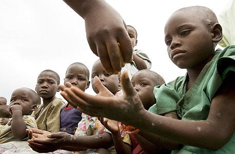 """האו""""ם: עלייה של 28% במחירי מוצרי המזון הבסיסיים במשך שנתיים"""