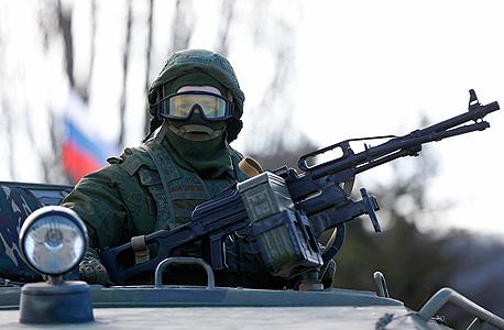 חייל רוסי בחצי האי קרים (ארכיון), צילום: רויטרס
