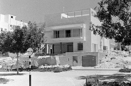 הבית עם סיום בנייתו, צילום: פרנק שרשל, באדיבות אתר תל אביב 100