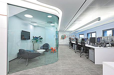 חדר העסקאות החדש של בנק הפועלים