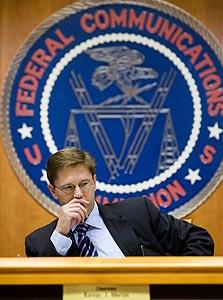 """קווין מרטין, יו""""ר ה-FCC. ניסיון הרגולציה כשל"""