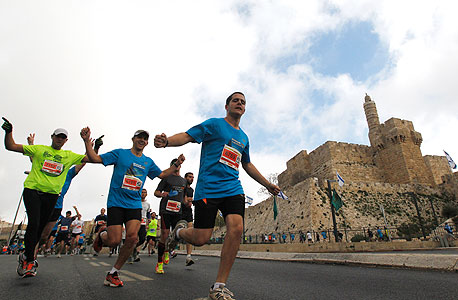 """רצים במרתון ירושלים, """"צריך לשלב במעגלי החשיבה אנשים צעירים, ולחבר בין ניסיון וידע ובין חשיבה חדשנית"""""""