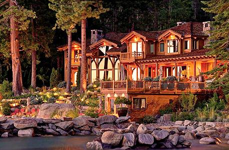 אחד משלושה בתים שבבעלותו של אליסון באגם טאהו