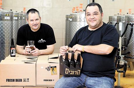 """(מימין) רותם ודגן בר אילן. """"בישראל יש היום 18 מבשלות בוטיק ואולי שתיים מהן מרוויחות כסף"""""""