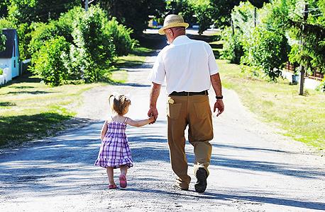 בגילאים מבוגרים החוכמה היא לאזן בין גירוי מנטאלי מספק ומניעת שחיקה , צילום: שאטרסטוק
