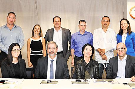 צוות שופטי תחרות קמעונאי השנה