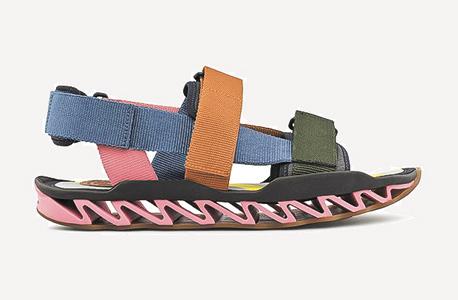 נעלי קמפר