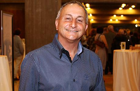 """יו""""ר חבר הנאמנים הרצל עוזר. אסיפה שנתית, צילום: אוראל כהן"""