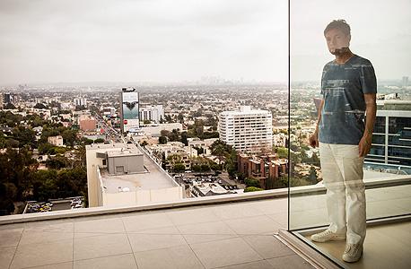 """ניקולס ברגרואין במגדלי סיירה בלוס אנג'לס. """"האימפקט של המגדל בתל אביב גדול יותר מאשר בניו יורק"""""""