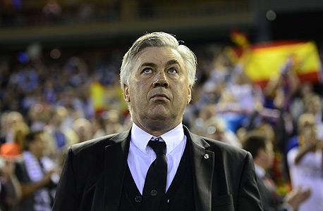 אנצ'לוטי. נראה יותר כמו נשיא רומניה מאשר מאמן כדורגל
