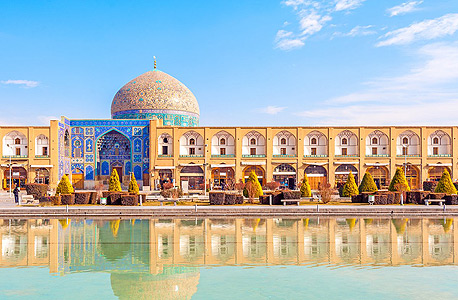 Sheikh Lotfollah Mosque at Naqsh-e Jahan Square in Isfahan, Iran. Photo: Shutterstock