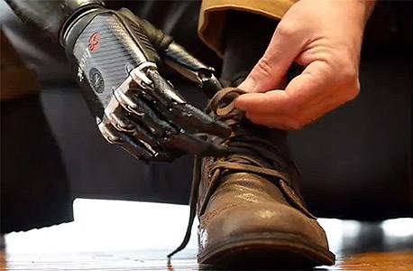 פרוטזה ביונית. מאפשרת לחוש במרקים ובצורות, צילום: rslsteeper.com