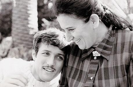 """דיין ואמו רות. """"חם וחכם מאוד"""", צילום: באדיבות למה הפקות"""