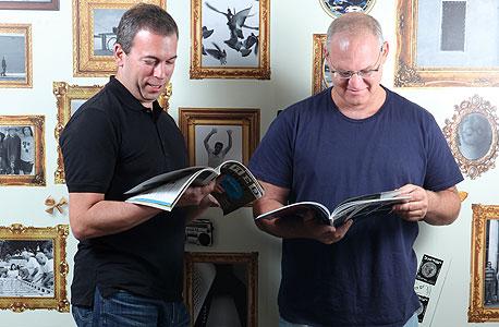 המייסדים אורי להב (מימין) וירון גלאי. משרתים את תאגידי התקשורת הגדולים בעולם