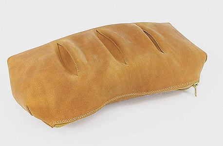 תיק הלחם. 2,800 שקל