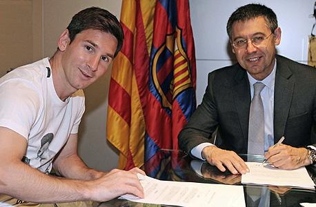 ג'וזפ מריה בארטומאו ליאו מסי חוזה חדש ברצלונה, צילום: איי אף פי