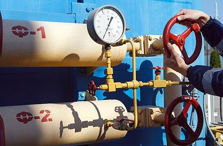 צינורות של גז טבעי