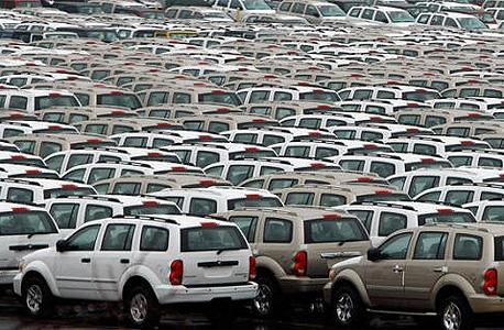 """קומץ קטן מתוך מעל 57 אלף מכוניות שחונות בנמל בלטימור בארה""""ב"""