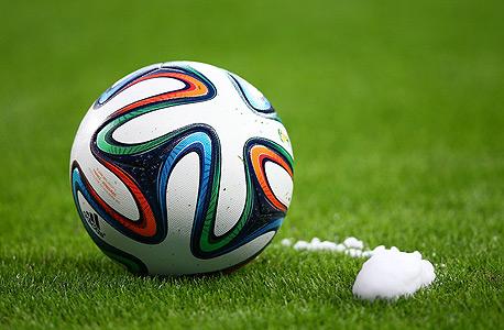 כדור מונדיאל ספריי לבן מונדיאל 2014 אדידס, צילום: אימג'בנק, Gettyimages