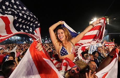 """אוהדת נבחרת ארה""""ב. המונדיאל שיהפוך את הכדורגל לאמריקאי?"""