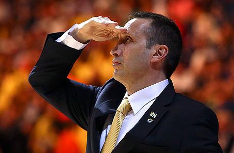 בלאט. ללא ניסיון כשחקן NBA אבל המון ניסיון כמאמן