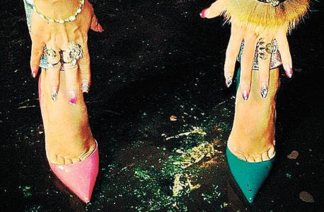הנעליים של לילי אלן