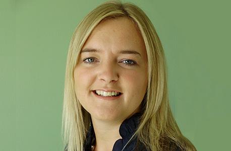 סופי דקרס מנהלת השוק הבריטי באיזי ג'ט