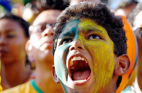 אוהד ברזילאי. לא עובדים ביום משחק